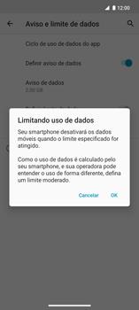 Como definir um aviso e limite de uso de dados - Motorola Edge - Passo 11