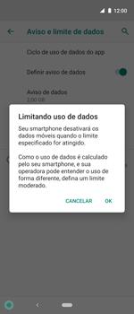 Como definir um aviso e limite de uso de dados - Motorola One Action - Passo 12