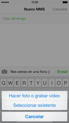 Envía fotos, videos y audio por mensaje de texto - Apple iPhone 5s - Passo 8