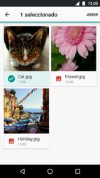 Envía fotos, videos y audio por mensaje de texto - Motorola Moto G5 - Passo 16