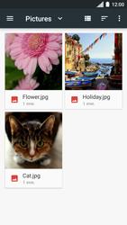 Envía fotos, videos y audio por mensaje de texto - Motorola Moto C - Passo 17