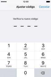 Activa o desactiva el uso del código de seguridad - Apple iPhone 4s - Passo 5