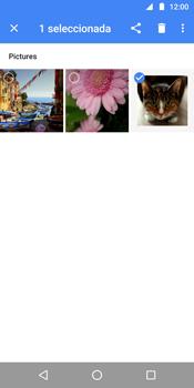 Transferir fotos vía Bluetooth - Motorola Moto G6 Plus - Passo 7